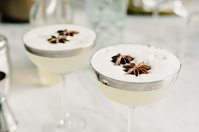 autumn-pear-gin-fizz-cocktail-food-photography
